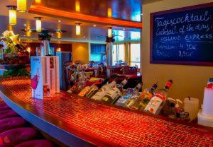 a-rosa-viva-reisebericht-seine-weihnachten-bar-lounge-2