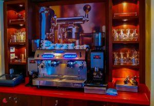 a-rosa-viva-reisebericht-seine-weihnachten-bar-lounge-7