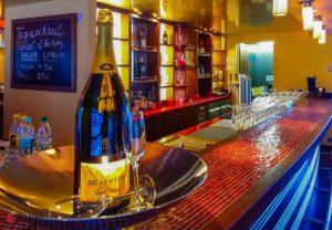 a-rosa-viva-reisebericht-seine-weihnachten-bar-lounge-8